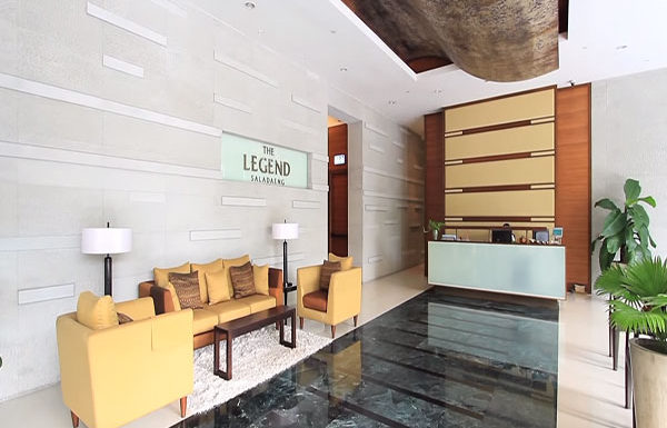 The-Legend-Saladang-Bangkok-condo-for-sale-lobby