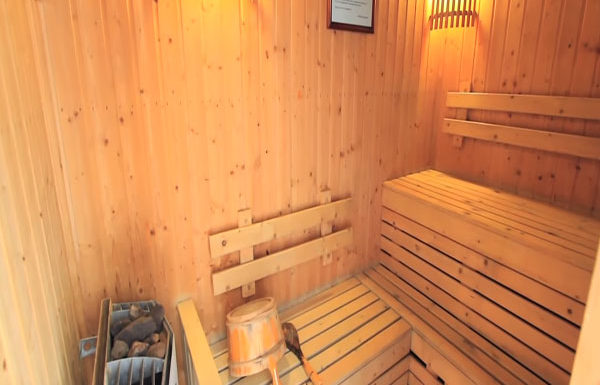 The-Legend-Saladang-Bangkok-condo-for-sale-sauna